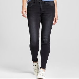 Mid Rise Stretchy Skinny Jeans